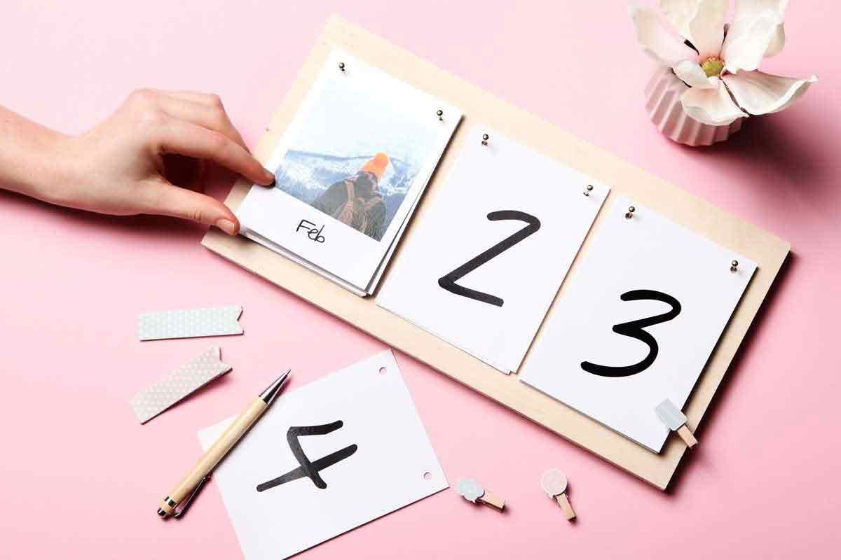 Diy Calendar Supplies : Your diy photo calendar in easy steps mypostcard