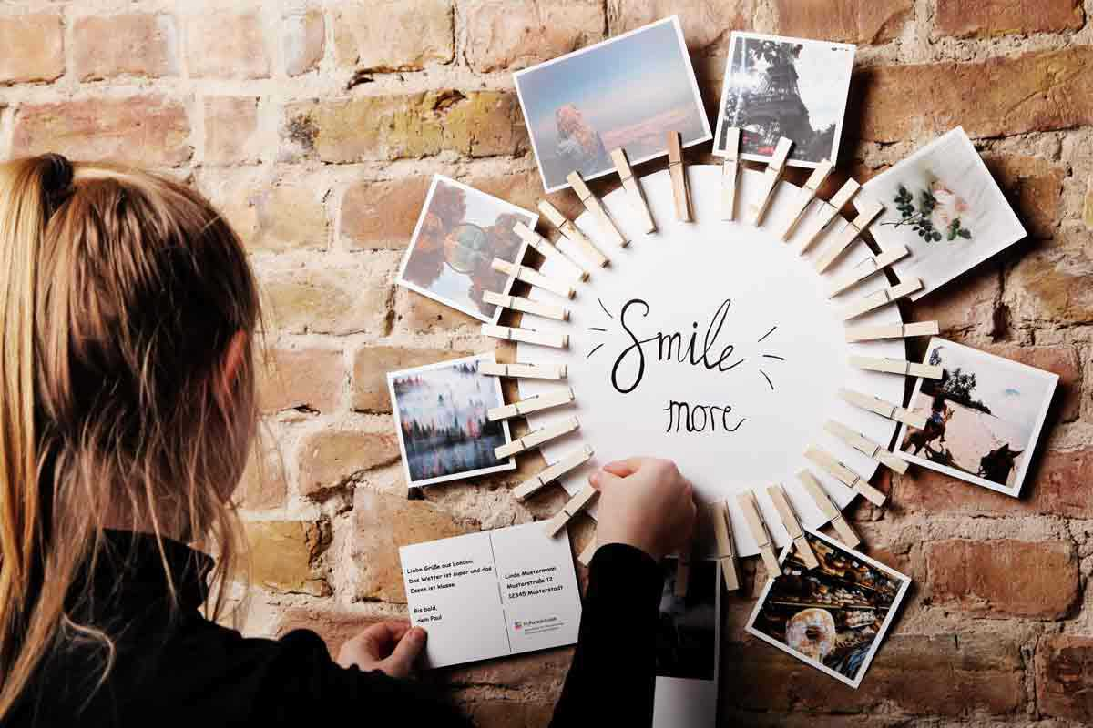Simple picture frames for any format in 5 steps mypostcard blog simple picture frames as personalized decoration jeuxipadfo Images