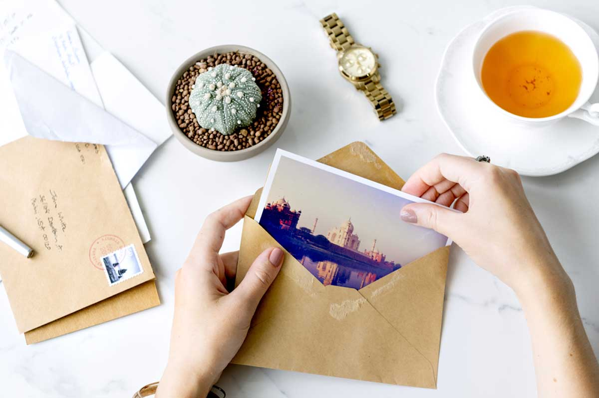 How To Use A Postcard Creator To Catch Consumer Attention