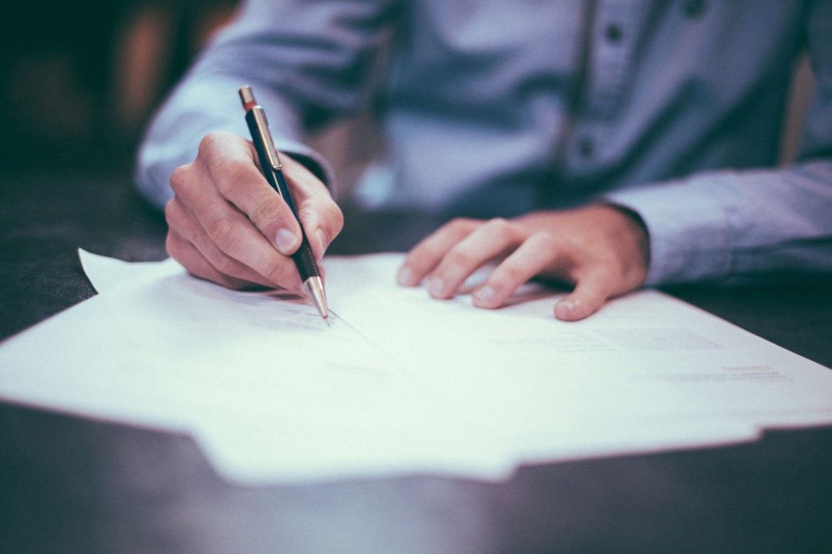 5 things to consider before writing a letter to a senator