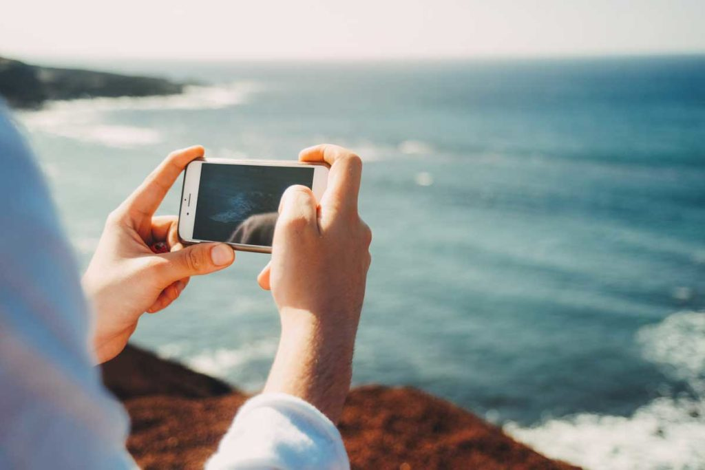 Direct Connect: 10 Easy Apps to Remind People You Love Them
