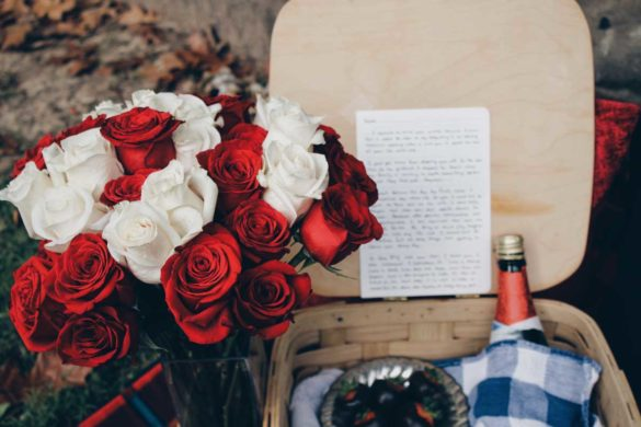 12 Ideas For DIY Valentine's Postcards to Remember