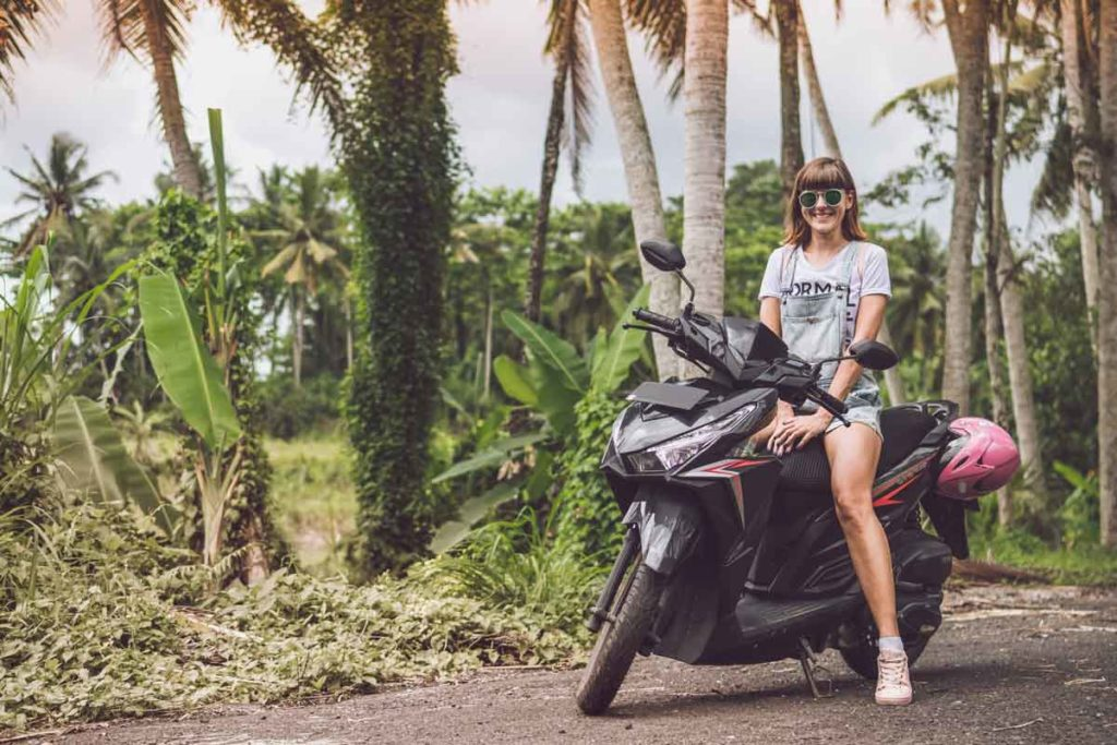 8 Tips for Solo Female Travel to feel comfortable, save and awesome