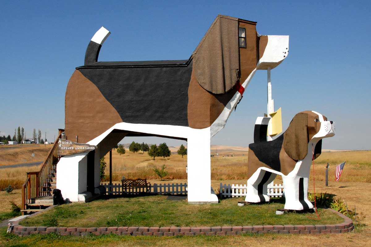 Top Postcard-Worthy Weird Roadside Attractions To See In