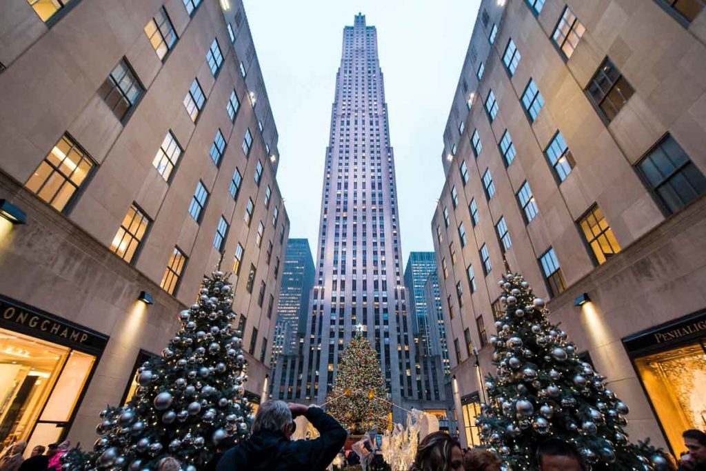 Christmas Shopping worldwide in New York, Rockefeller Plaza