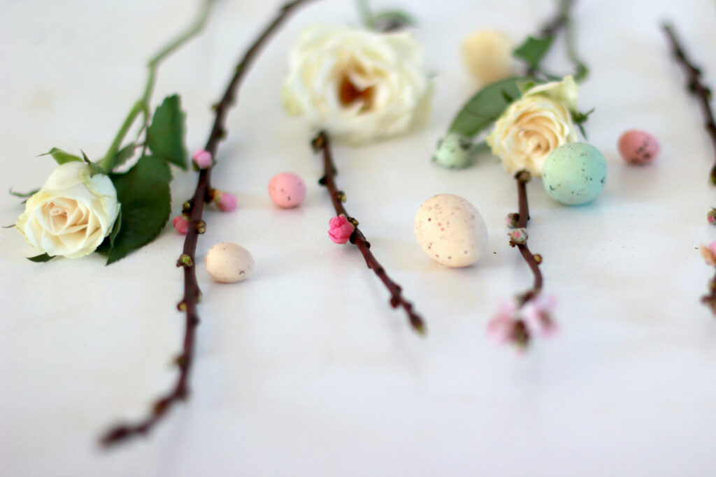 Flowers and Easter eggs like ready for an easy DIY Easter craft for your decor.